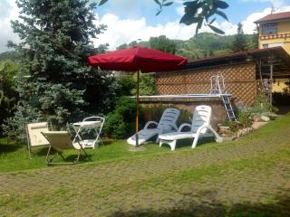 La casa di Laura. villa between hills and sea, Piano di Mommio