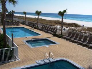Vacation in Style! Beach service included, Panama City Beach