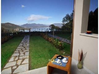 Holiday Apartment with Lake Maggiore view