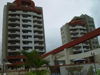 Comfortable apartment high floor. Ocean view., Esmeraldas