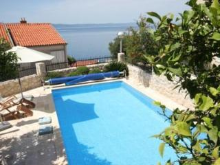 HOLIDAY HOUSE, Podgora
