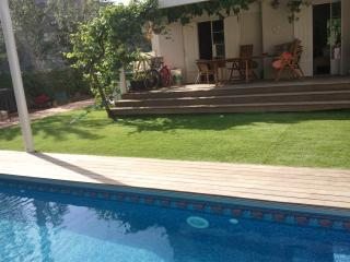 Beautiful villa with a privet pool, tel Aviv, Tel Aviv