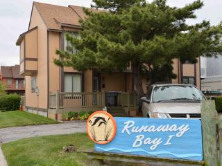 Ocean City, MD - Runaway Bay: Anchorage (Mid-town)