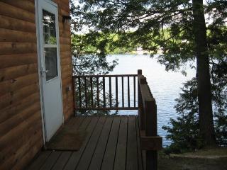 Cabin #3 'Ivy', Barnet
