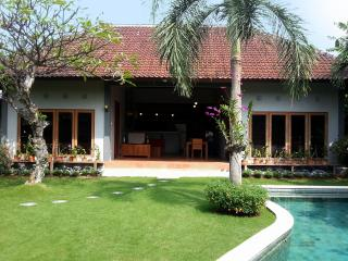 Fantastic Location. Simple & Cheap but nice Villa!