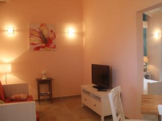 La Boheme Aruba - Apt. #4 with pool 800 yd to beach Marriott *Flash Sale*, Palm/Eagle Beach