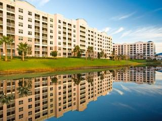 2Br 2Ba Fountains great pools near Sea World Disney Shopping Golf