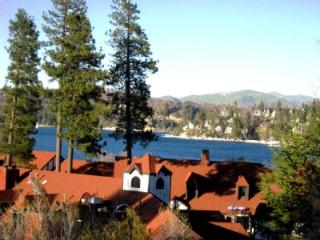 Spectacular Lake n Village View - Beach Pass -WiFi, Lake Arrowhead