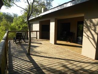 Kata Charis Lakside Lodge: Chalet 1, Mpumalanga