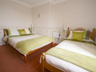 Bedroom 2 (1 double and 1 single) (seaview)
