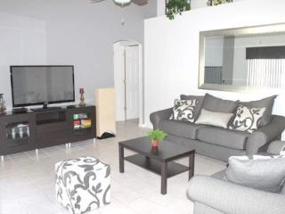 Nicely Furnished 4 Bedroom Villa With Great Pool And Spa. 40MA