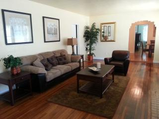 Located Near Balboa Park, Zoo, Beaches & Downtown, San Diego