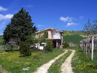 amazing house in the country, Bolognano