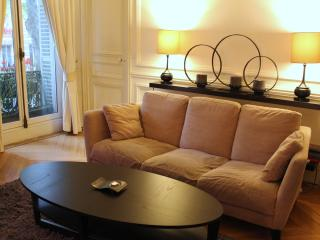 2-Bd. Bvd. St. Germain Perfect for Museum Lovers, Paris