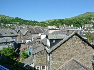 ROTHAY COTTAGE, traditional cottage, close to amenities, magnificent views in