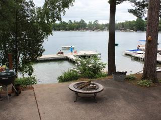 Lakefront Cottage on Waupaca Chain O'Lakes #4