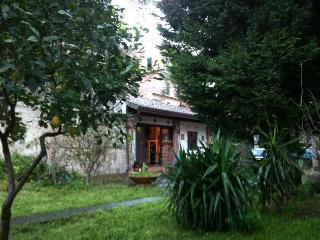 TAORMINA H.Center charming cottage and garden 5pax, Taormina