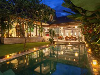 3 BR Riverside Villa Seminyak - Villa Liang