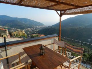 Beautiful Flat in typical home, Levanto