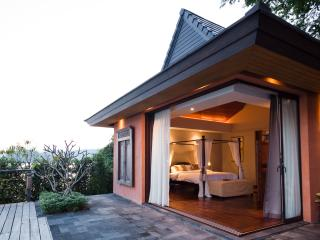 Waterfront luxury villa for 10, with maid and cook