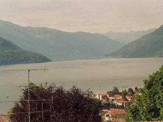 16240-Apartment Luino, Germignaga
