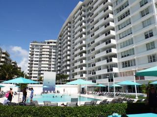 SOUTH BEACH - OCEAN VIEW 1 BEDROOM W/PARKING