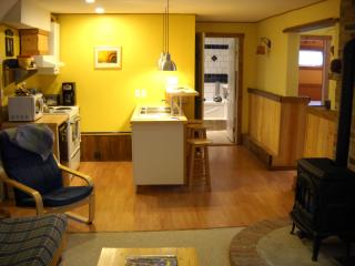 Private 2-bedroom suite with fully equipped kitchen in the heart of Golden!