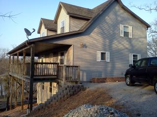 Make your memories here!! Great Lakefront home, Kimberling City