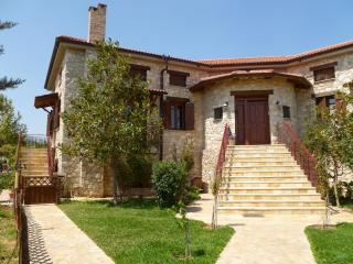 Steliana's happy sunny pool cottage near Athens GR