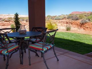Incredible Views Private Yard Immaculate Gated Entrada 2 BD/2 BA Home Garage, Saint George