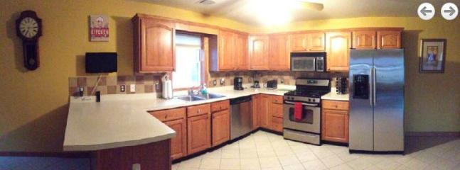 Kitchen (wide angle)