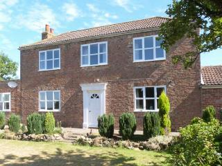 MILL FARM family friendly, en-suite bathrooms, open fire in Pocklington Ref 2451