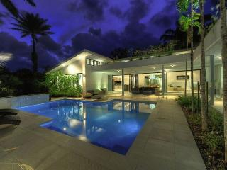 41 BEACHFRONT MIRAGE  secluded luxury holiday home, Port Douglas