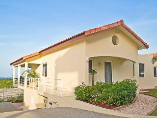 Luxury caribbean townhouse. Royal Palm Resort. In upscale Piscadera Bay., Willemstad