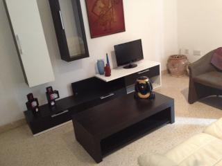 Sliema-Central, spacious 2 bedroom flat in Sliema