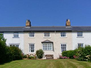 3B COASTGUARD COTTAGES, family accommodation, near beach, off road parking, garden, in Low Newton-by-the-Sea, in Beadnell, Ref 27680