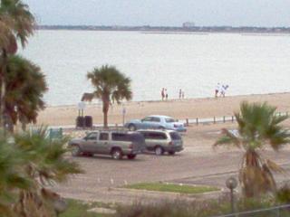Cozy Beach Condo, Corpus Christi