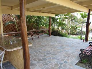 2 BEDROOM OCEAN FRONT PROPERTY FROM $79.00 NIGHTLY, Kailua-Kona