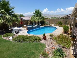 Beautiful & Private Pool/Spa Desert Oasis w/RVpad, Indio