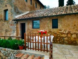 Farm apartment Le Querce, in Siena countryside