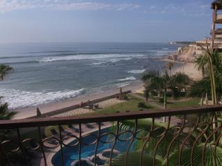 BEAUTIFUL Beachfront Condo, Las Olas 3bdr, San José Del Cabo