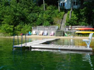 Silver Sunrise Cottage on Beautiful Silver Lake in Traverse City