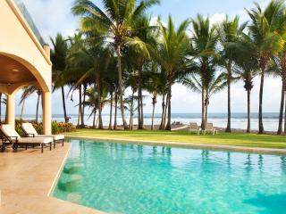 Large pool right on the beach