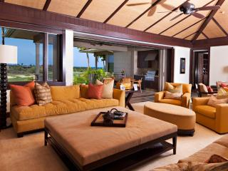 Four Seasons Luxury 3BD Waiulu Villa, Upper Level, Kailua-Kona