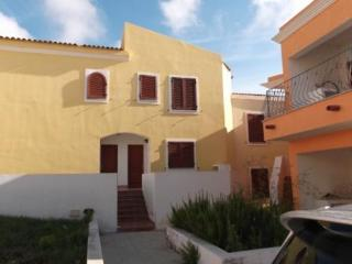 Moon Valley House_nice and low cost accommodation!, Santa Teresa di Gallura