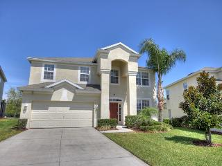 Renovated 6 B gated 3 miles to Disney, sleep 15, Kissimmee