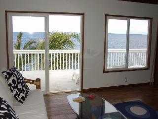 Oceanfront 1bd in tropical area, near beach