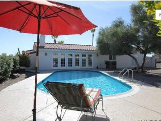 Luxurious 3bed/3bath home w/ POOL & huge bar area, Ville de Lake Havasu