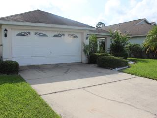 3 Bedroom  Creekside Villa with pool ., Orlando