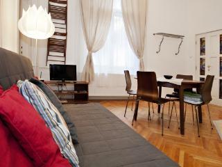 CR112cBUD - Central Liszt Square 1BR Apartment next to Oktogon, Budapest